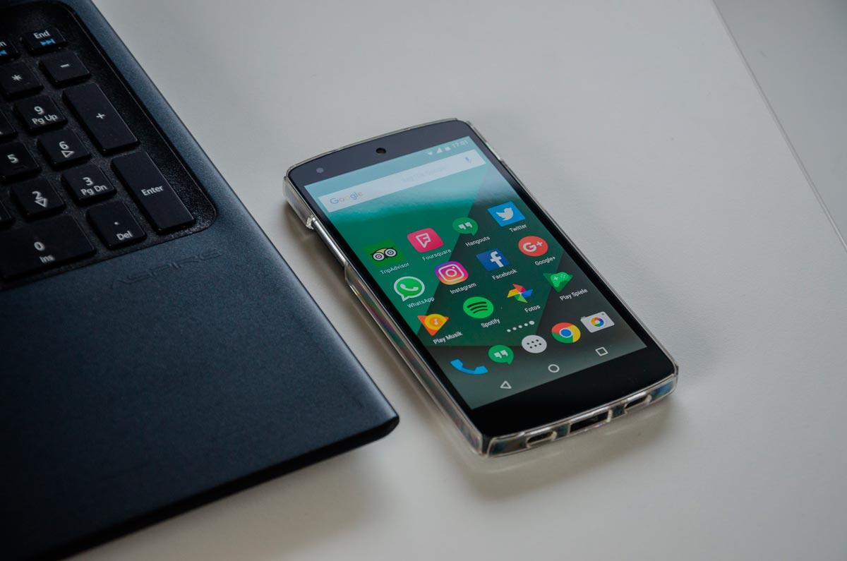 Владельцы android смартфонов могут выбирать из огромного количества приложений