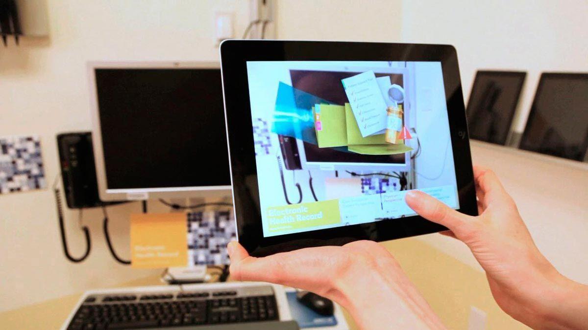 Создание мобильных приложений для бизнеса часто подразумевает возможность передачи информации