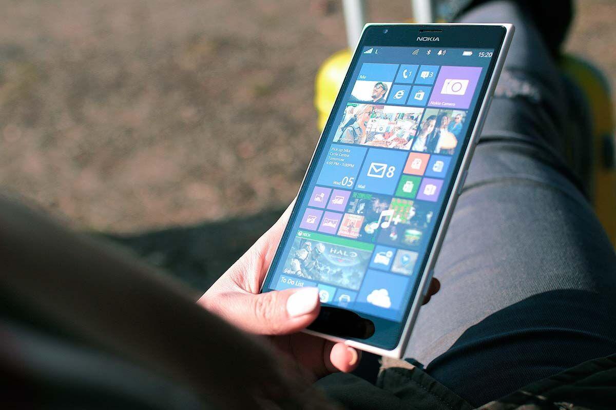 Использование смартфона должно быть аккуратным