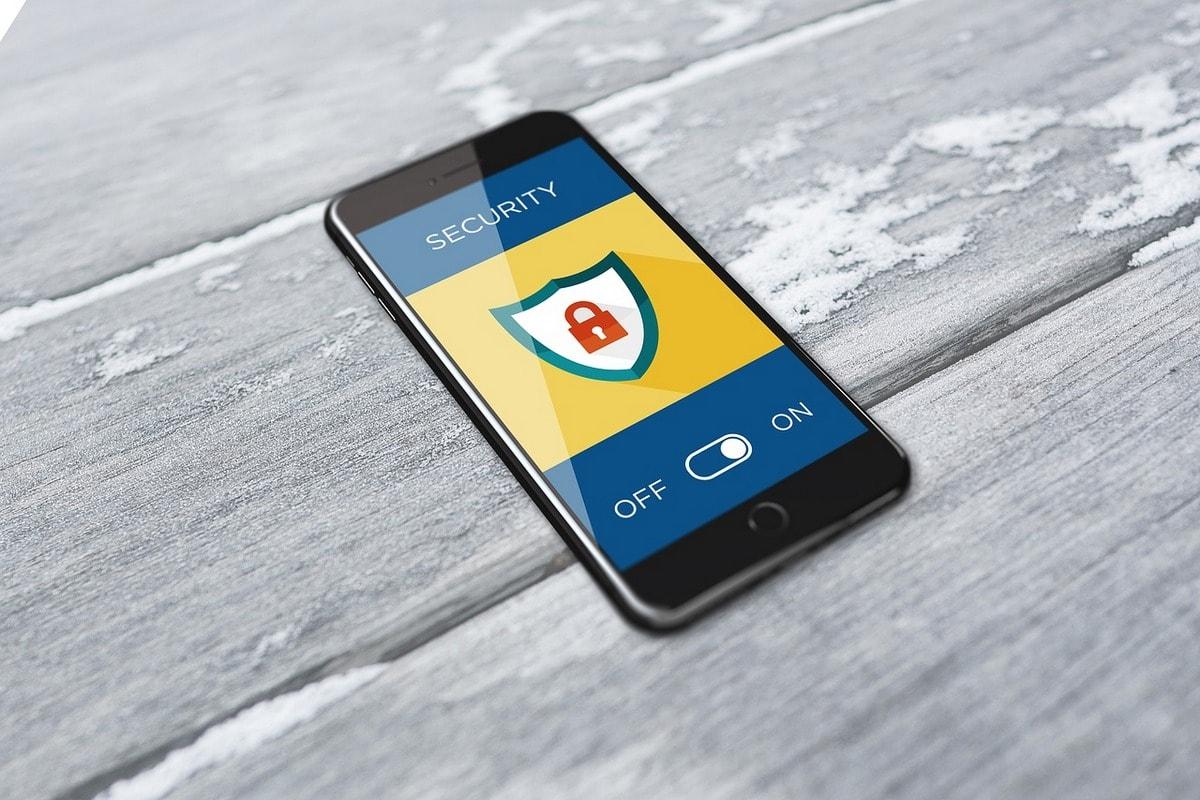 компании разработчики мобильных приложений следят за безопасностью