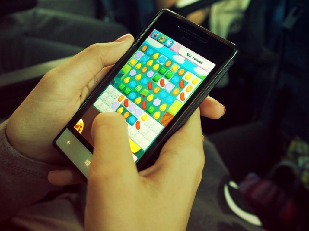 Россияне на мобильных устройствах больше всего времени проводят в играх